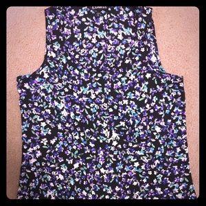 Express Scoop neck, slit back floral top
